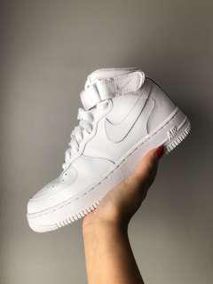 Nike Air Force 1 [MID]