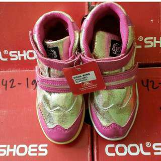 Sepatu boots brand cool kids