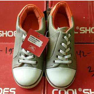 Sepatu brand cool kids