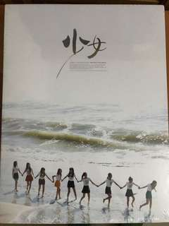 全新未開封Girls' Generation SNSD The First Photobook 《少女》