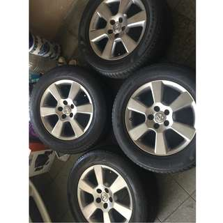 Original 4 Toyota Harrier 17 inch Rims with tyres