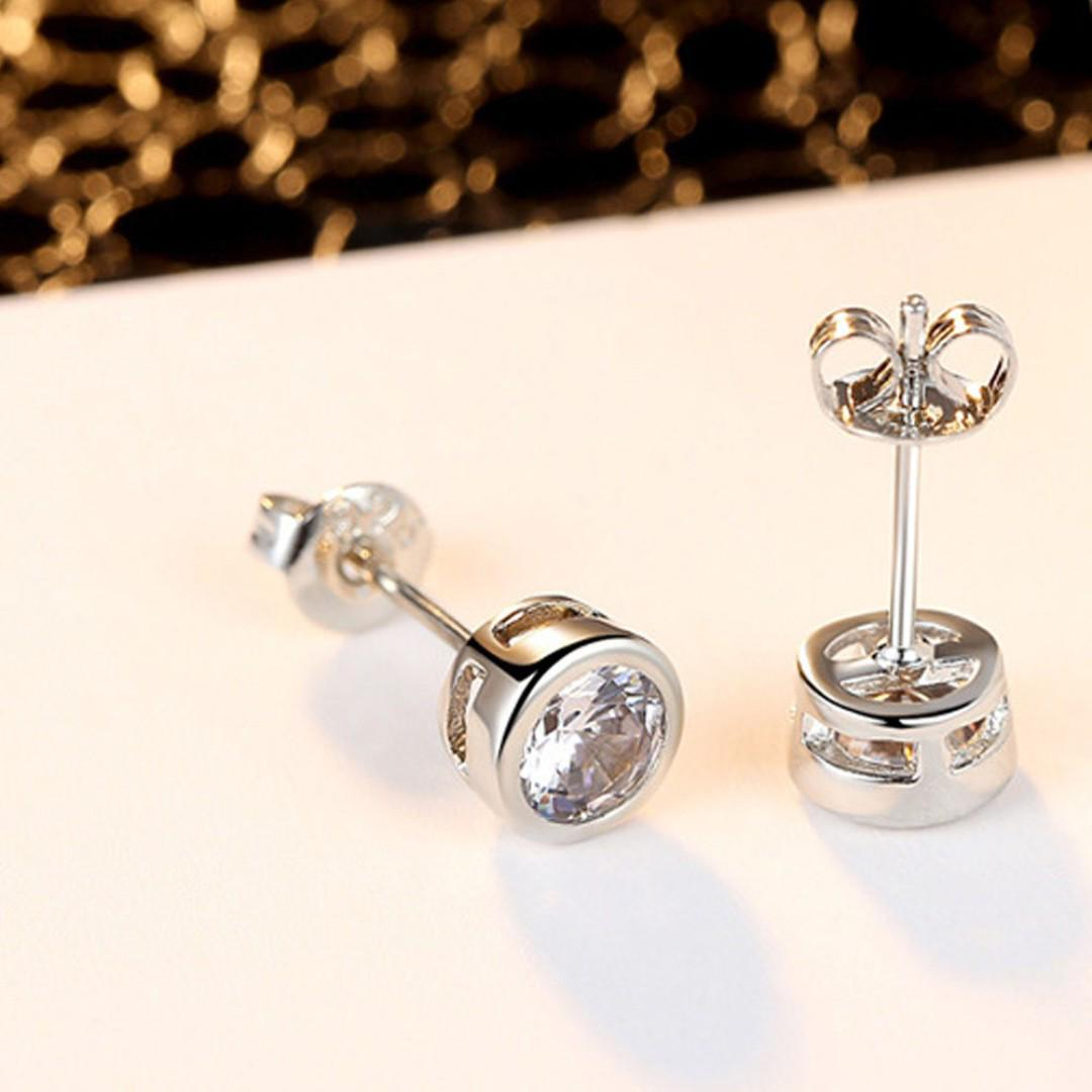 BN Unisex Round Earrings Zircon Ear Stud [MJN102]