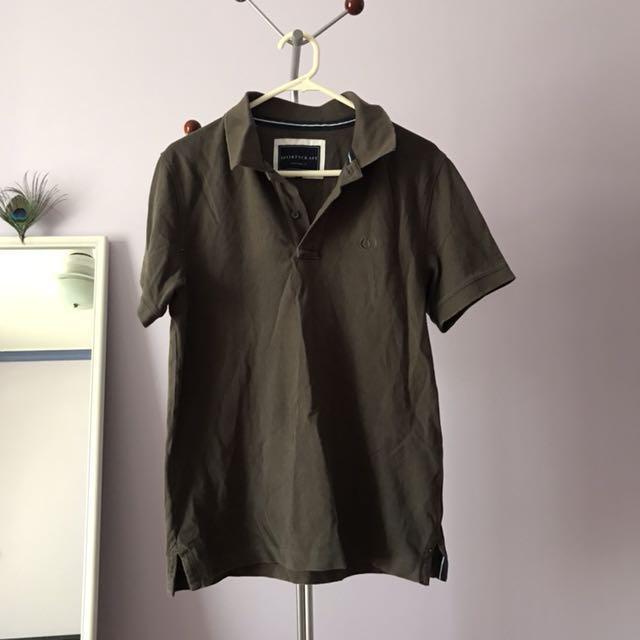 Collar tee shirt