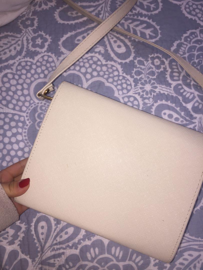 cream sturdy bag