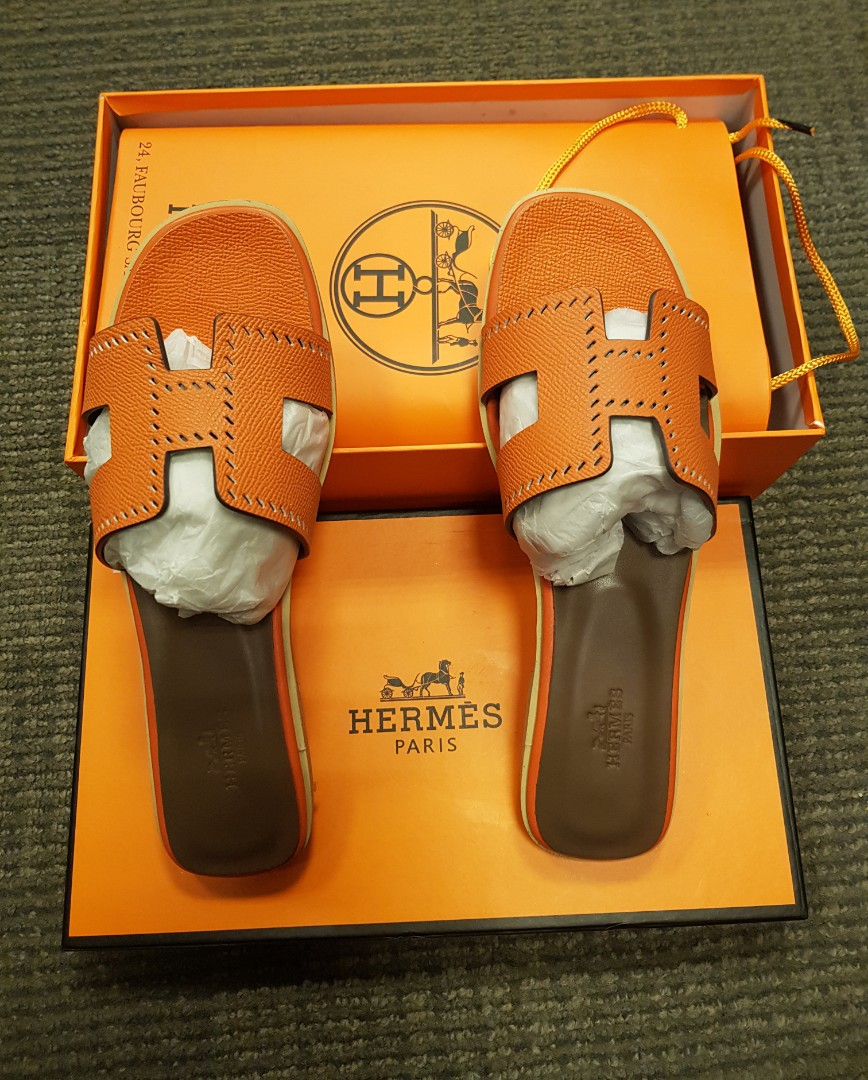 83e4d2c4d9e9 Hermes slippers women fashion shoes on carousell jpg 868x1080 Hermes  slippers