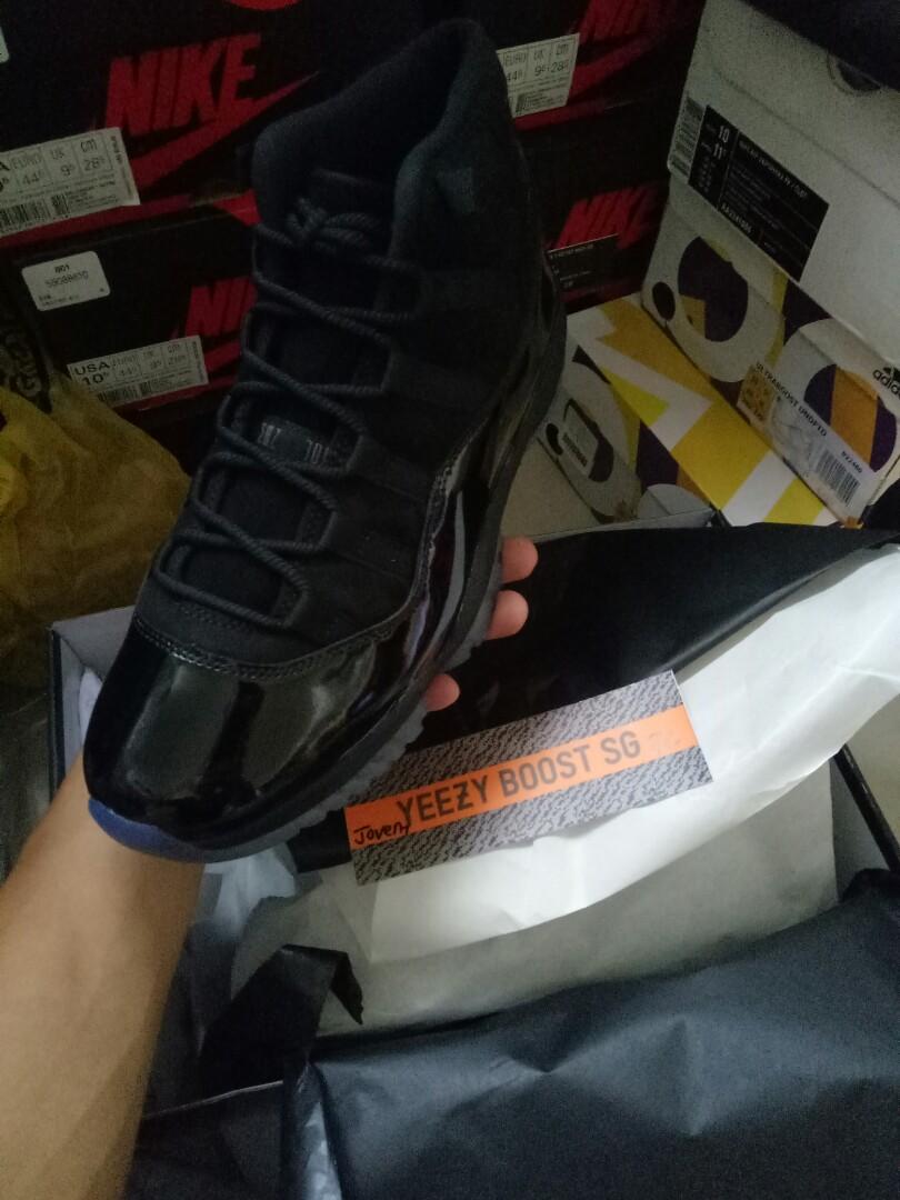 21c31824032 Jordan 11 cap n gown