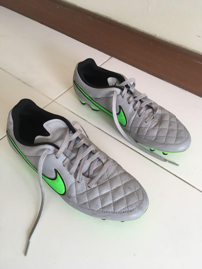 various colors 53d73 082c8 Nike Tiempo Legend V Wolf Grey/Green (FG), Sports, Sports ...