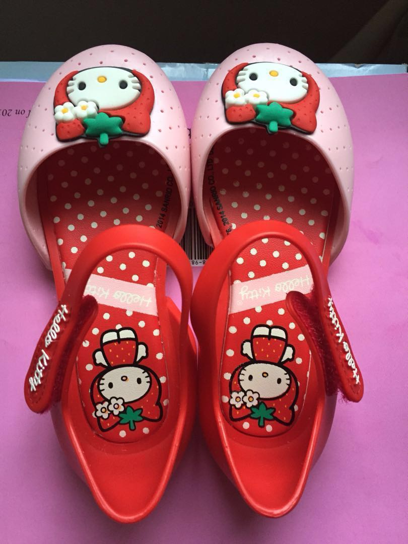 Sale grendene kids hello kitty shoes babies kids girls apparel to years on  carousell jpg 810x1080 42bbd978492