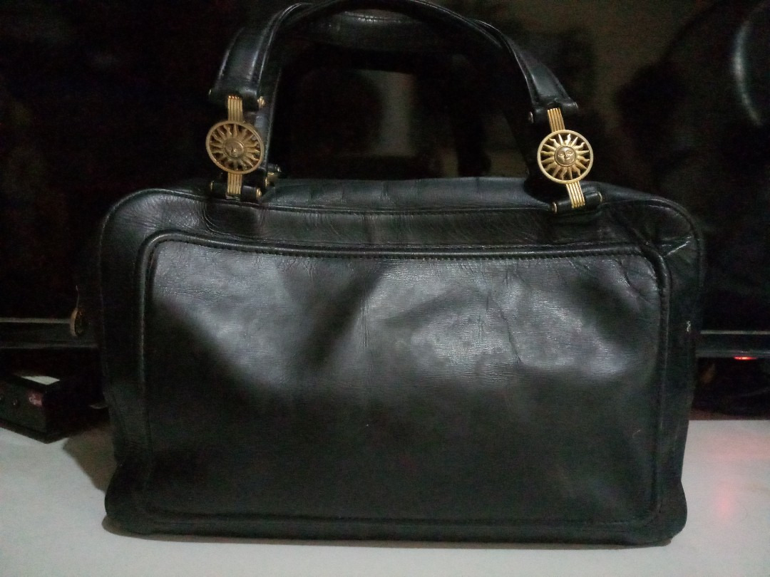 Vintage versace leather hand bag japan, Women s Fashion, Bags   Wallets on  Carousell 618cace176