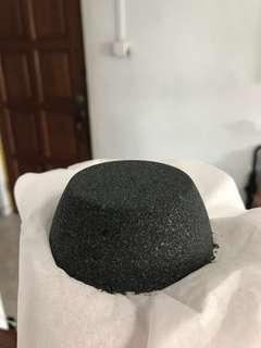 V1.0 Black bath bomb - Fast and violent fizz
