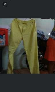 Celana yellow