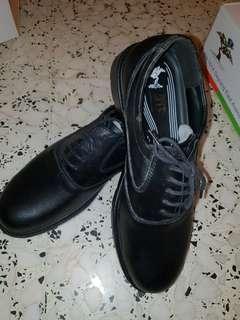 Mens Black Leather Shoes (Size 44)