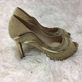 Gold heels (REDUCED)