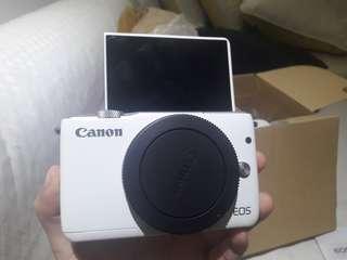 VLOGGING CAMERA (Canon EOS M10)