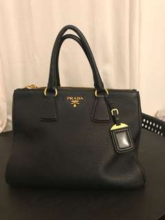 Prada killer bag (+original dust bag and shoulder strap)