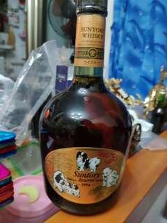 陳年老日威,三得利SR威士忌750ml狗年特别版一支。