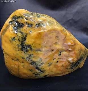 售價:¥129990 商品編號:194300247 到198年緬甸天然翡翠原石 尺寸: 236/188/108mm重:9.438公斤