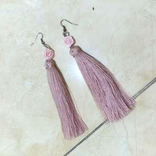 Flower Pink tassel earring / anting
