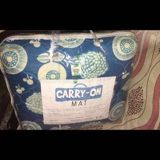 Comforter Carry on Mat