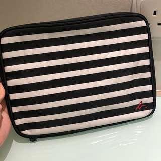 Agnes b 電腦袋 laptop case