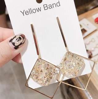 🚚 [BNIS] Gold Inverted Square Dangles (frm Korea)
