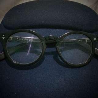 Derek Cardigan Glasses Authentic
