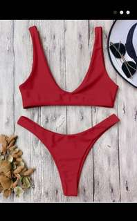 BRAND NEW! Scoop bikini top ONLY - size small