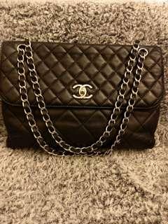 美品Chanel黑色牛仔菱格銀扣Maxi Jumbo flap bag 32x21x8cm