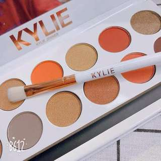 Kylie Jenner Eye shadow Pallet with Brush and Mirror