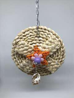 🚚 Round Straw Hanging Chew Toy