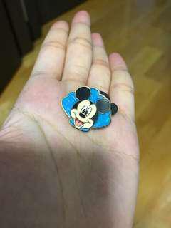 Shanghai Disney mickey pin 上海迪士尼米奇徽章