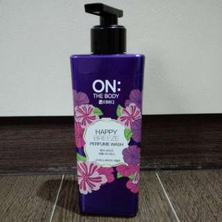 On: The Body Happy Breeze Perfume Wash 500g