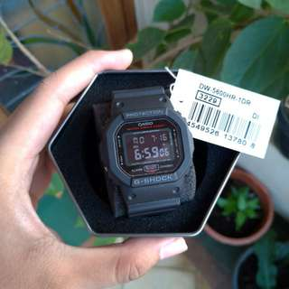 G-shock dw 5600hr