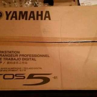 Yamaha tyros 5 61key