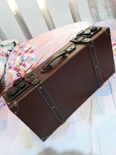 Vintage suit case (REPRICED)