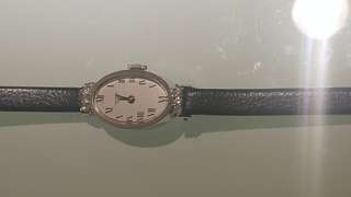 Vintage Universal 14Kt white gold jewels watch