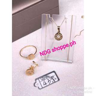 4.3g jewelry set (necklace, earing and ring)