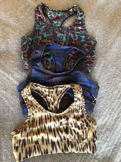 Finders Keepers Crops x 3 - size XS (NEW)