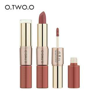 FREE POSTAGE! O.Two.O 2 in 1 Lipstick & Lipgloss