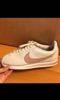 🚚 Nike cortez阿甘鞋(淺灰玫瑰金勾)23cm