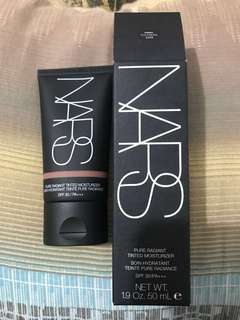 🚚 NARS Pure Radiant Tinted Moisture Foundation #dark 1