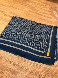 Fendi 絲巾