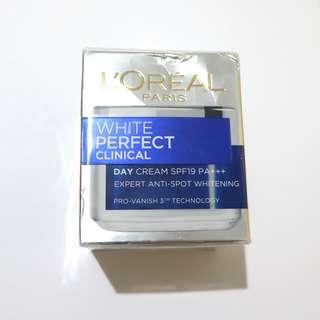 NEW L'Oréal Paris White Perfect Clinical Day Cream