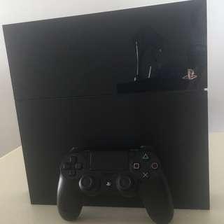 🚚 Playstation 4 CUH-1106A 1TB with Box