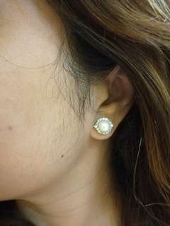 18karat Pearl with Diamond Halo Earrings in Whitegolf