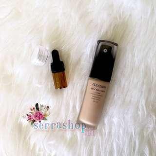 Shiseido Synchro Skin Lasting Liquid Foundation (share size)