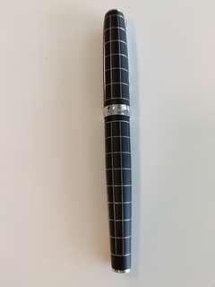 Diplomat fountain Pen f nib