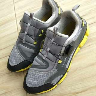 Second Sport Shoes / sepatu olahraga / running shoes
