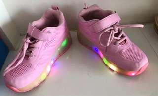 Girls light and skates shoes