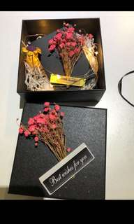 Dry flower gift box with light